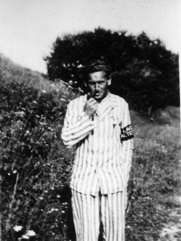 Victor Nečas als Lagerältester des KZ-Lagers Kaufering III