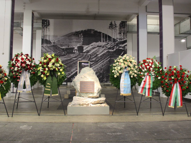 Gedenkveranstaltung für KZ-Opfer in der Ausstellung der Militärgeschichtlichen Sammlung