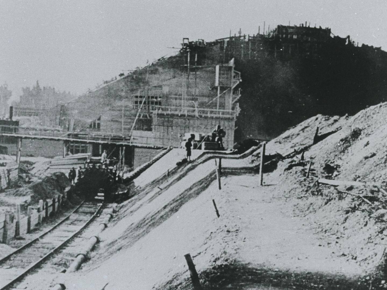 KZ-Häftlinge des KZ-Außenlagerkomplexes Landsberg/Kaufering arbeiteten auf Bunkerbaustellen, etwa im