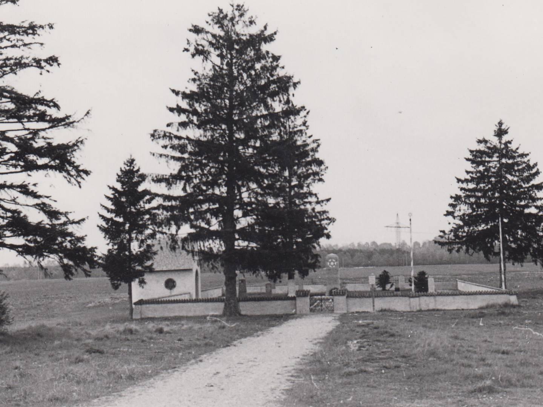 Gelände des KZ-Friedhofs Landsberg am Lech 1950.