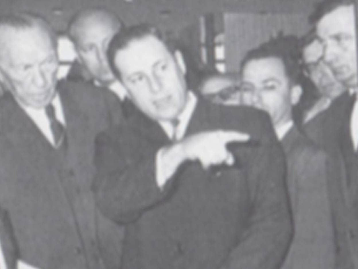 Ehemaliger KZ-Häftling Max Ansbacher mit Konrad Adenauer.