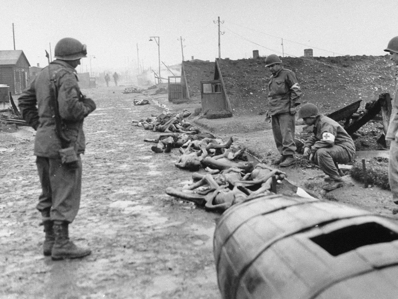 Befreiung des KZ-Langers Kaufering IV durch US-amerikanische Soldaten.