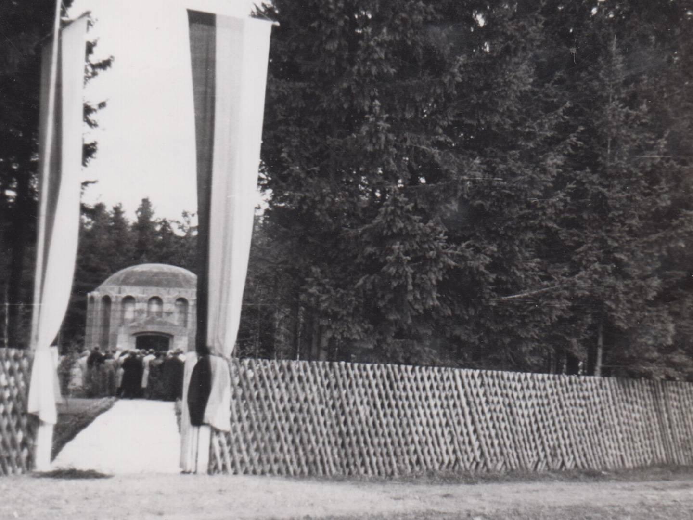 Einweihung des KZ-Friedhofs in Türkheim.