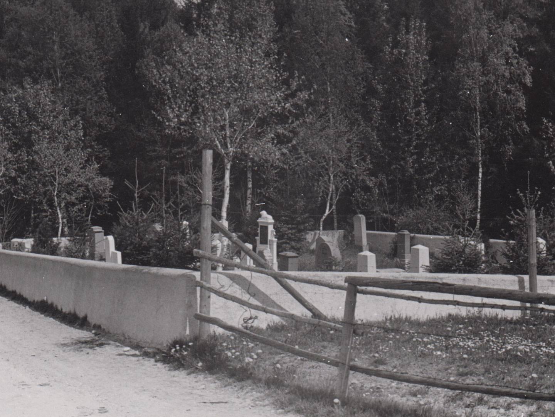 KZ-Häftlinge, die im Hospital im Magnusheim starben, wurden auf dem KZ-Friedhof beerdigt.