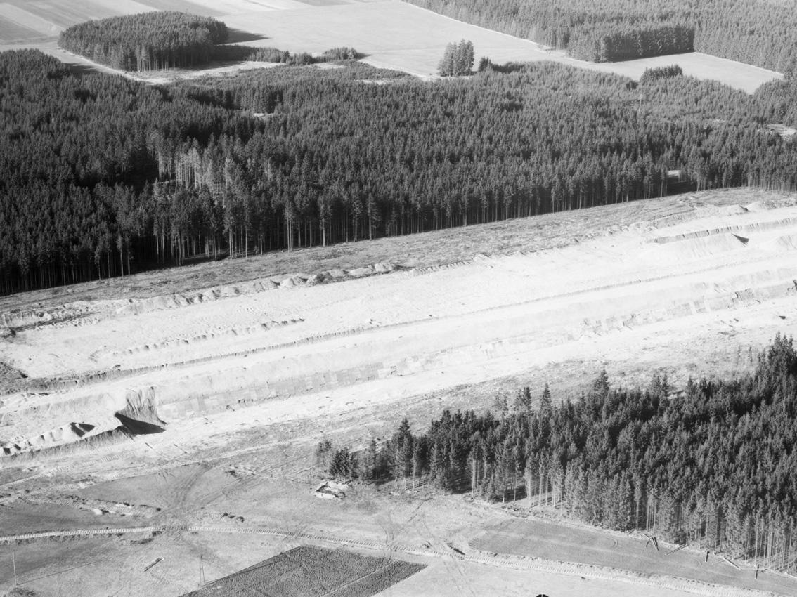 Luftbildaufnahme des Kiesbergs der Bunkeranlage
