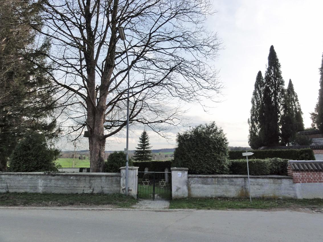KZ-Friedhof St. Ottilien mit Gräbern von 73 ehemaligen KZ-Häftlingen.
