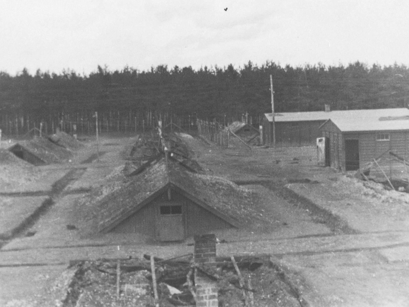 Das KZ-Außenlager Kaufering IV (Hurlach) nach der Befreiung.